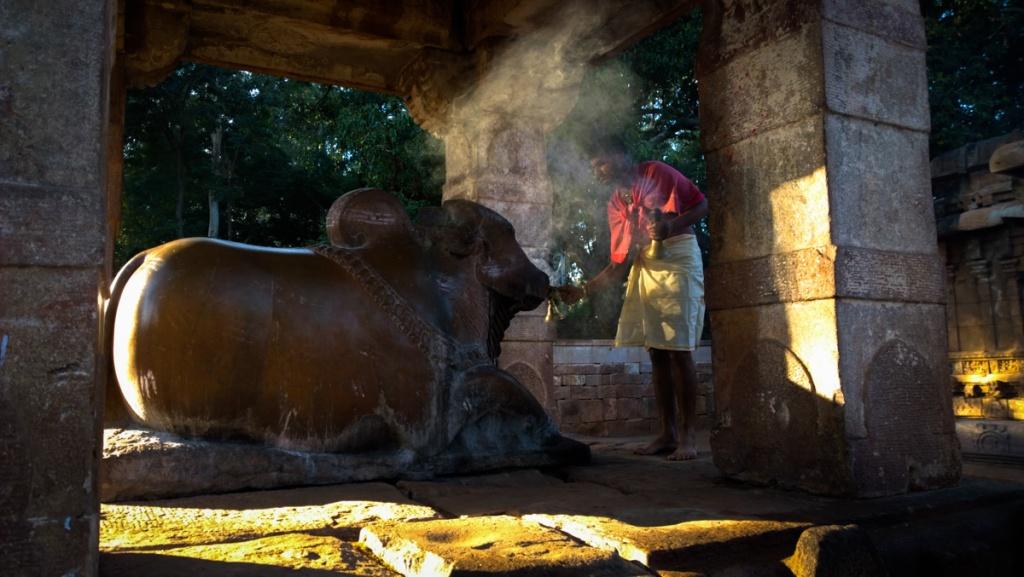 Morning prayer at Mahakuta