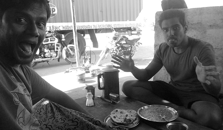 Lunch at kashmir dhaba on hampi badami highway