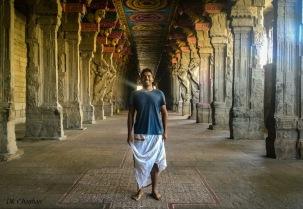inside rameshwaram temple