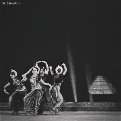 traditional dance at konark festival odisha