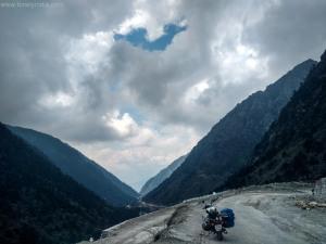 roadtrip by solo traveler to sella pass arunachal pradesh India