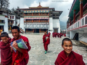 roadtrip by solo traveler to tawang monestery