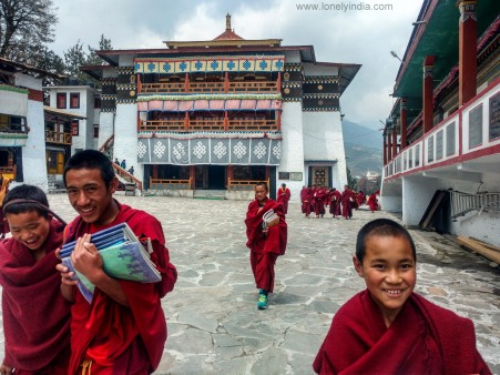 roadtrip by solo traveler to tawang monestery
