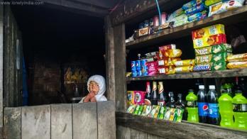 tea shop on way to sandaphu west bengal