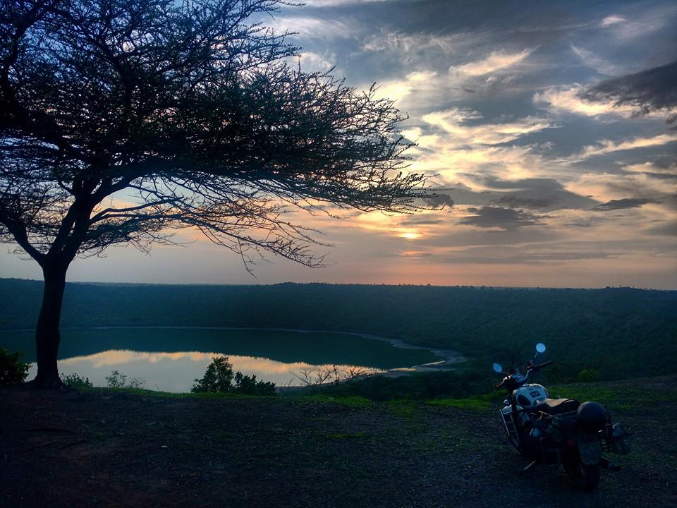 lonar_lake