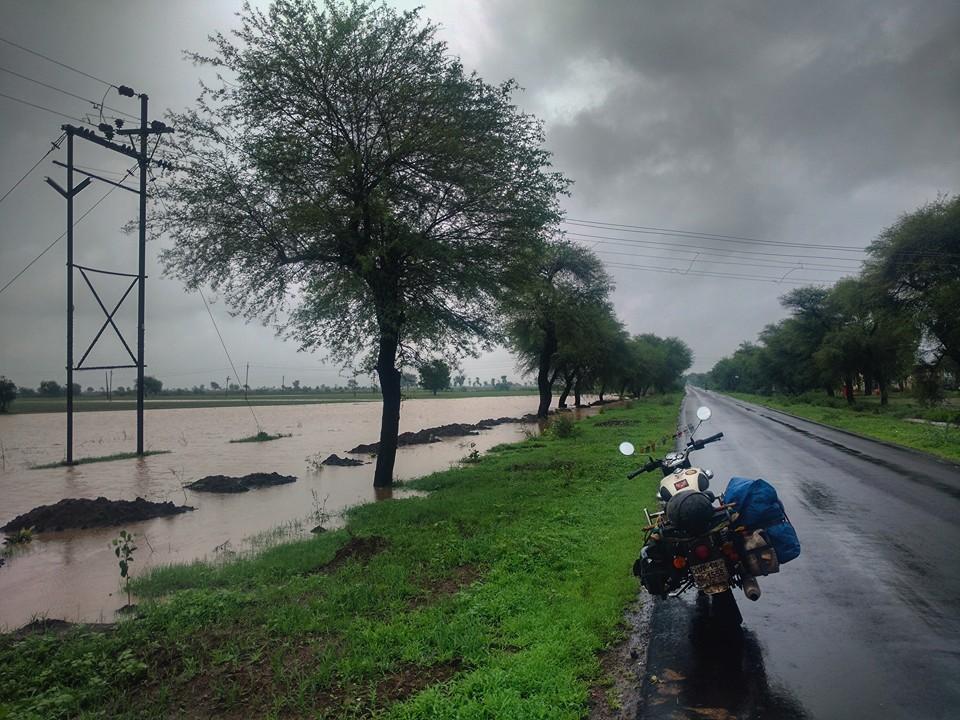 mahrastra_water_overflow