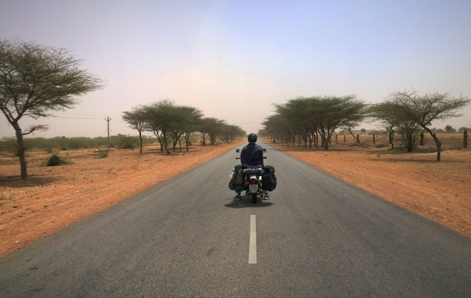 Short travel story form Jaisalmer to bikaner roadtrip